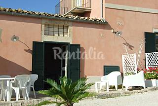 Apartment for 2-3 people only 1500 meters from the beach Ragusa