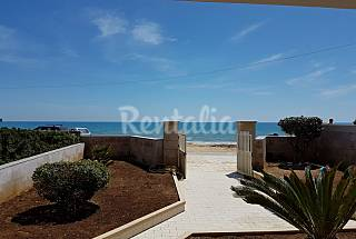 House for rent on the beach front line Ragusa