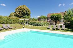 Casa para 8 personas en Meilhards Corrèze