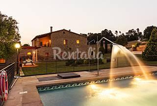 Mas Badó with large garden and swimming pool Girona