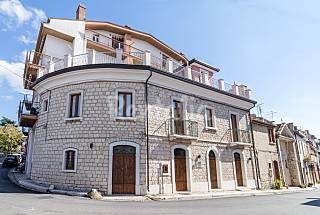 House for 2-8 people with views to the mountain Avellino