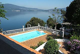House with 5 bedrooms on the beach front line Pontevedra
