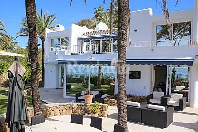 Villa de lujo frente al superior en el corazón de la Milla de Oro, Marbella Málaga