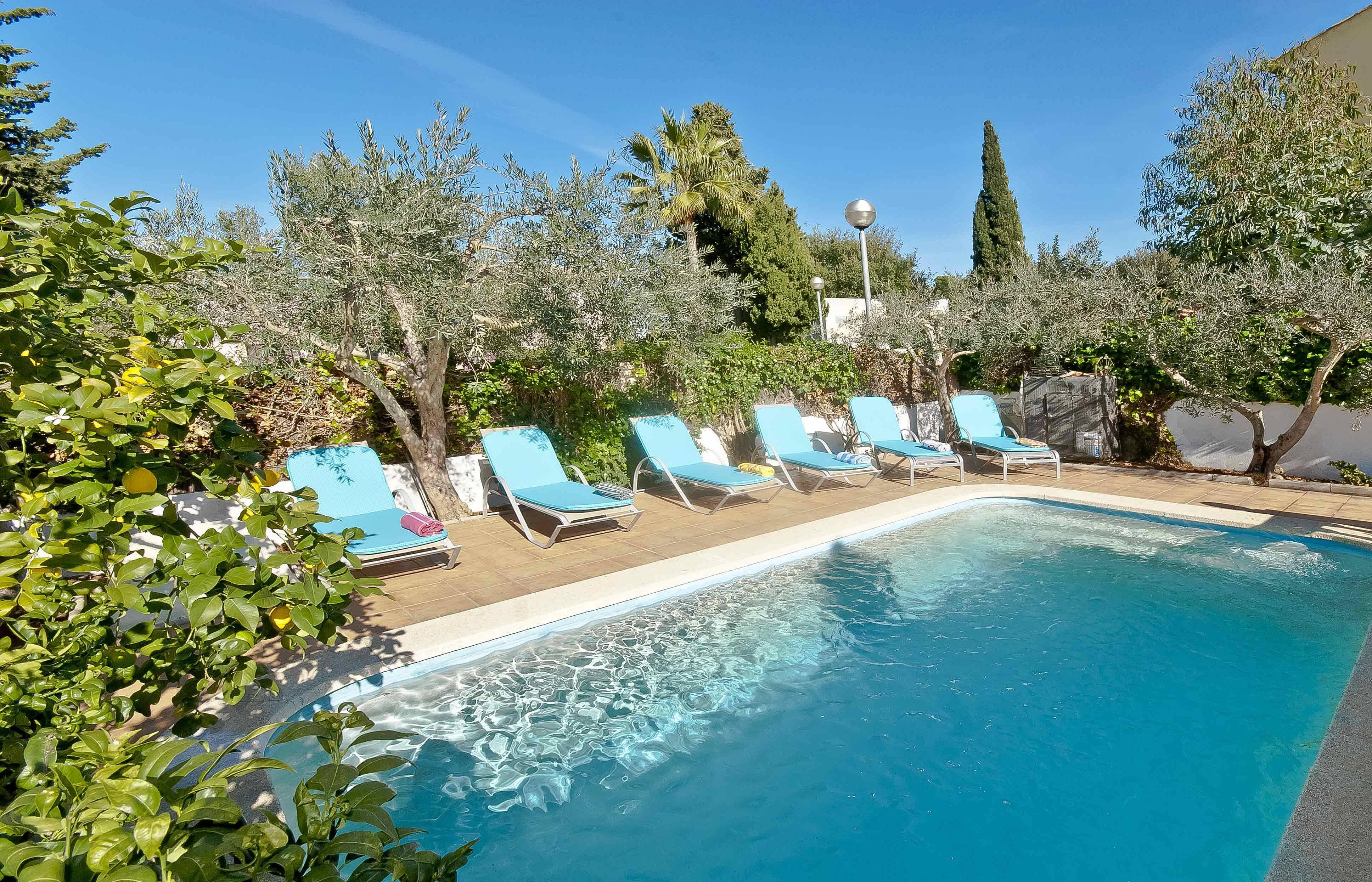 Villa familiar con piscina privada mal pas bonaire for Villas con piscina privada