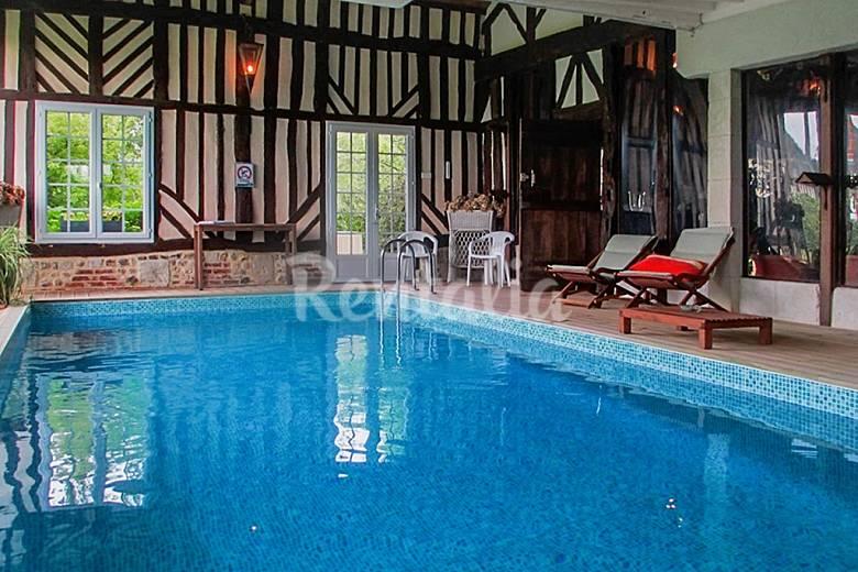 Superbe maison avec piscine annebault calvados for Camping calvados avec piscine