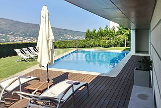 Modern villa with swimming pool Viana do Castelo