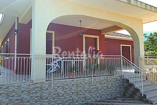Villa for rent 10 km from the beach Catania