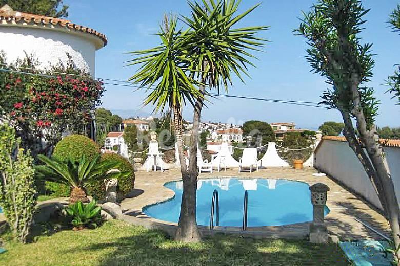 Casa con piscina privada y barbacoa benajarafe v lez for Casas con piscina en malaga