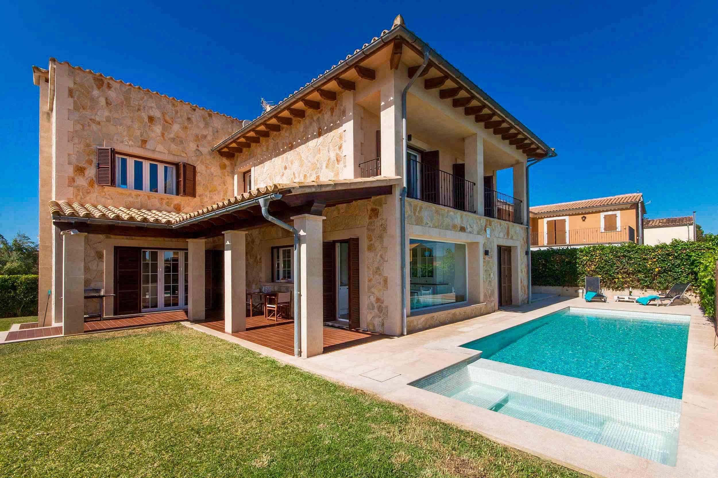 villa con 3 stanze a 150 m dalla spiaggia alc dia maiorca