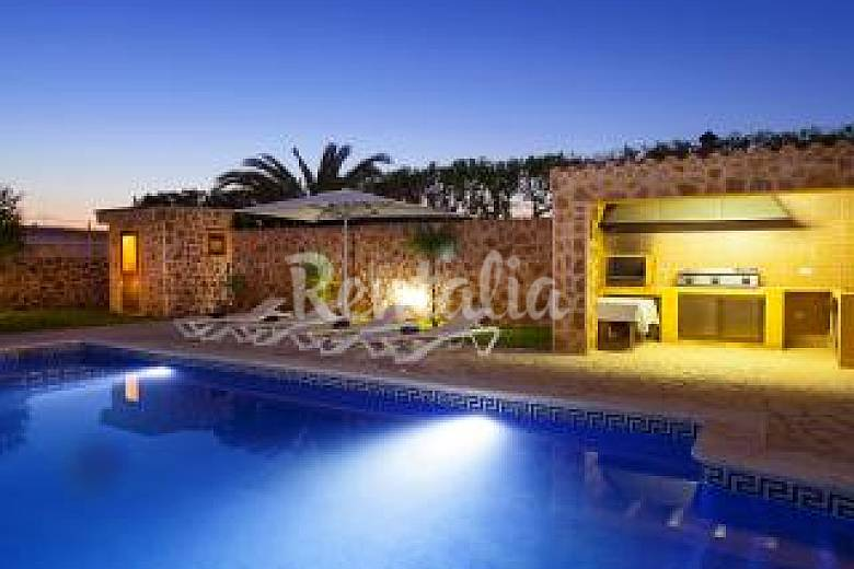 Villa With 4 Bedrooms Only 1000 Meters From The Beach