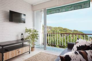 Apartment for 2-4 people only 150 meters from the beach Barcelona