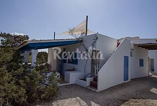Casa Tramontana 4-6 pax. Es Caló. Formentera