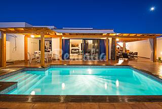 Villa with 4 bedrooms only 800 meters from the beach Lanzarote