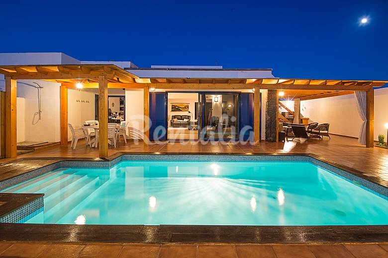 4 habitaciones 4 ba o piscina climatizada wifi playa for Precio piscina climatizada