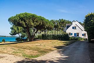 Spacious seafront villa in Morbihan Morbihan