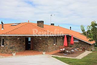 Villa en location à 200 m de la plage La Corogne