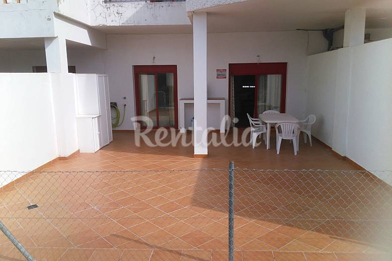 Apartamento para 4 5 personas a 1000 m de la playa for Registro bienes muebles cadiz