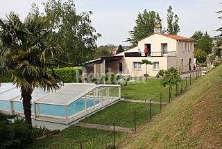 House with pool access Gironde