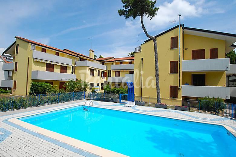 Dormitorio Udine ~ Apartamento en alquiler a 600 m de la playa Lignano Sabbiadoro (Udine) Alpes italianos
