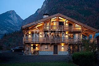 Chalet with wonderful mountain view Upper Savoy