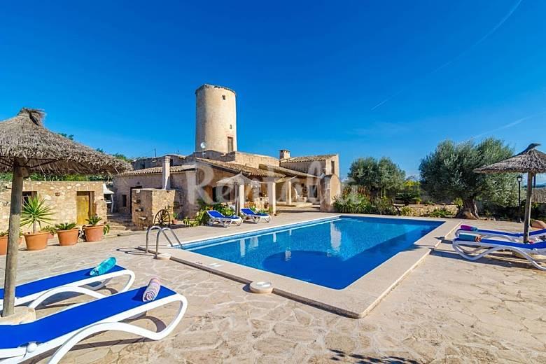 Villa en alquiler en mallorca porreres mallorca for Alquiler maquinaria mallorca