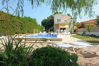 Villa con piscina privada,wifi y aireacondicionado Tarragona