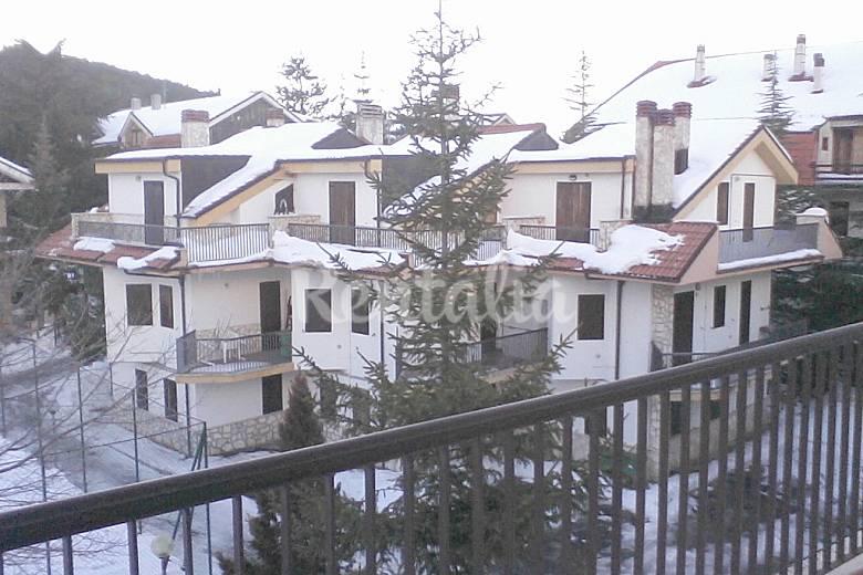 Casa in montagna tutta di legno con camino 6 posti campo for Casa montagna camino