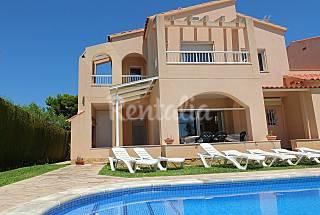 Villa a 5 minutos de la playa, con wifi y piscina  Tarragona