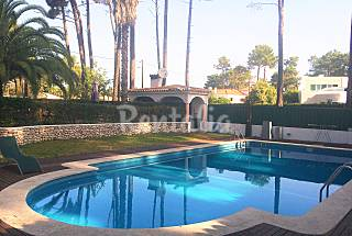 Villa for rent on the beach front line Setúbal