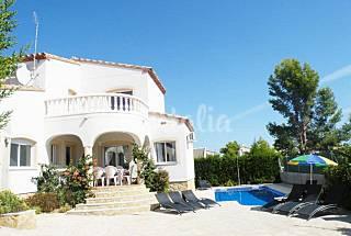 Villa a 10 min de la playa, piscina, aire y wifi Tarragona
