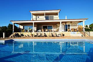 Exclusive villa for 10 persons*Unique Sea Views* Algarve-Faro